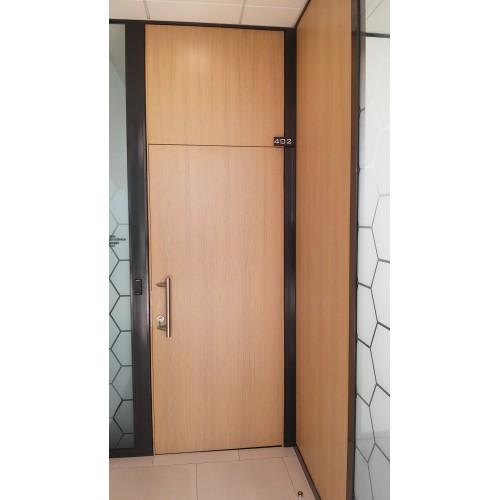 Beapvadinės Vidaus durys faneruotos lukštu su viršduriu